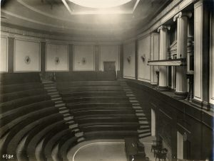 Lecture theatre at Finsbury Circus, SOAS. c1930. Ref: SOAS Picture Archive. Buildings, box 1, item 10. ©SOAS.