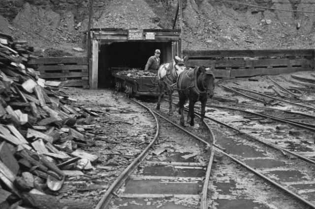 S. C. Streams Black Diamond Mine, Pennsylvania, USA, 1946. Photo: Wikimedia Commons/NARA.
